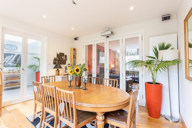 4 bedroom(s) house to sale in Hale Lane, Mill Hill, London-image 13