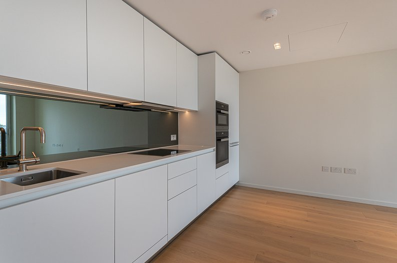 1 bedroom(s) apartment to sale in Lillie Square, Earls Court, London-image 6