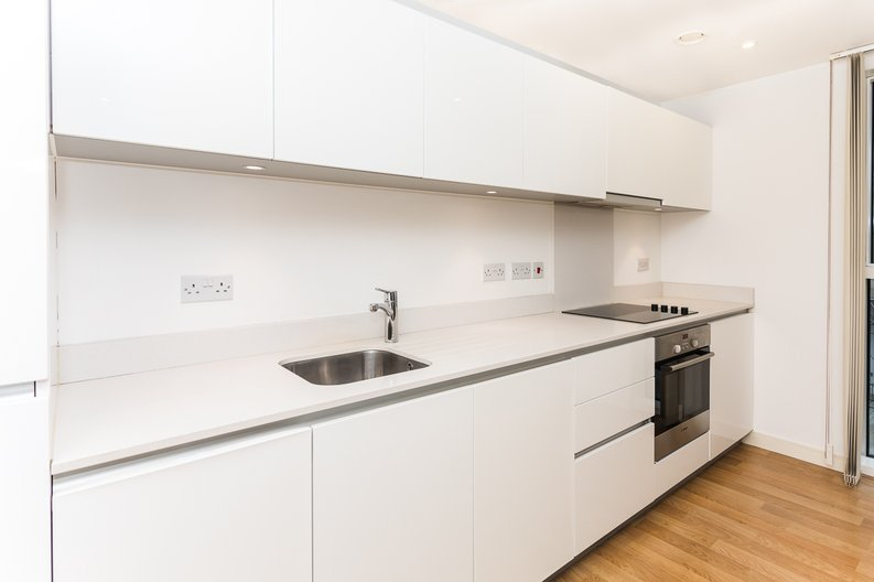 2 bedroom(s) apartment to sale in Waterside Apartments, Goodchild Road, Woodberry Down, Manor House-image 5