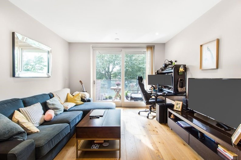 1 bedroom(s) apartment to sale in Waterfront Apartments, 82 Amberley Road, Maida Hill, London-image 2