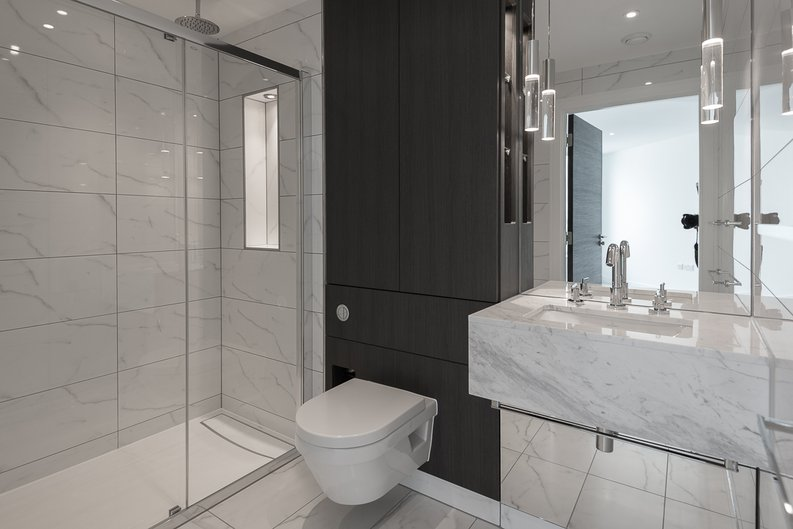 2 bedroom(s) apartment to sale in Lancaster House, Soverigen Court, Hammersmith , London-image 3