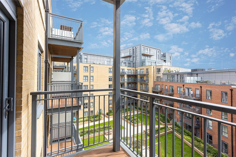 2 bedroom(s) apartment to sale in 22 Aerodrome Road, Beaufort Park-image 13