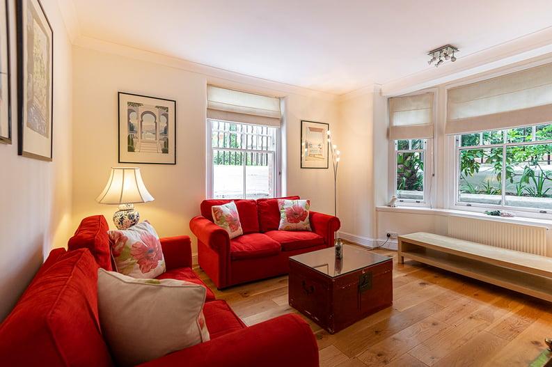 3 bedroom(s) apartment to sale in Walton Street, Kensington/Chelsea, London-image 1