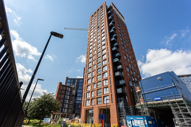 1 bedroom(s) apartment to sale in Silvocea Way, Canning Town, London-image 9