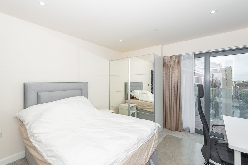 2 bedroom(s) apartment to sale in Argent House, Beaufort Park , London-image 13