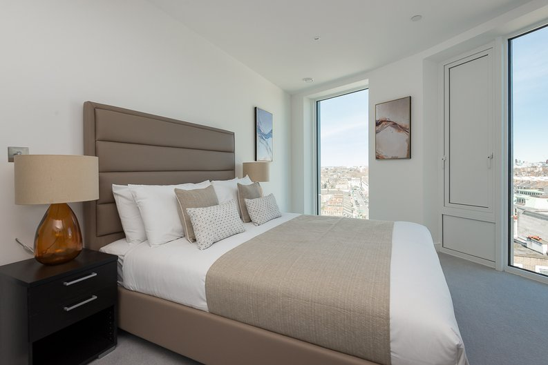 2 bedroom(s) apartment to sale in Lancaster House, Soverigen Court, Hammersmith , London-image 4