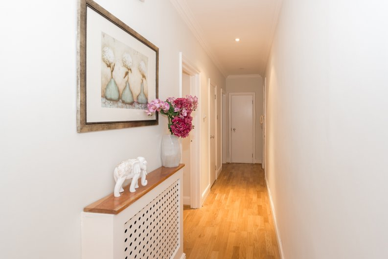 3 bedroom(s) apartment to sale in Bullingham Mansions, Pitt Street, London , Kensington-image 4