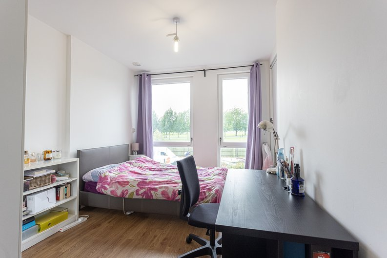 3 bedroom(s) apartment to sale in Sunflower Court, Seven Sisters Road, Finsbury Park, London-image 7