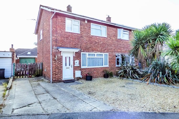 Pollards Close, Wilstead, Bedford, MK45 3HA