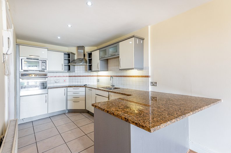 4 bedroom(s) to sale in Rosemont Road, Hampstead, London-image 17