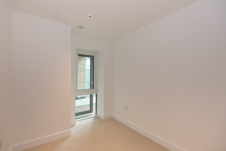 2 bedroom(s) apartment to sale in Dashwood House, Dickens Yard,, Ealing-image 5