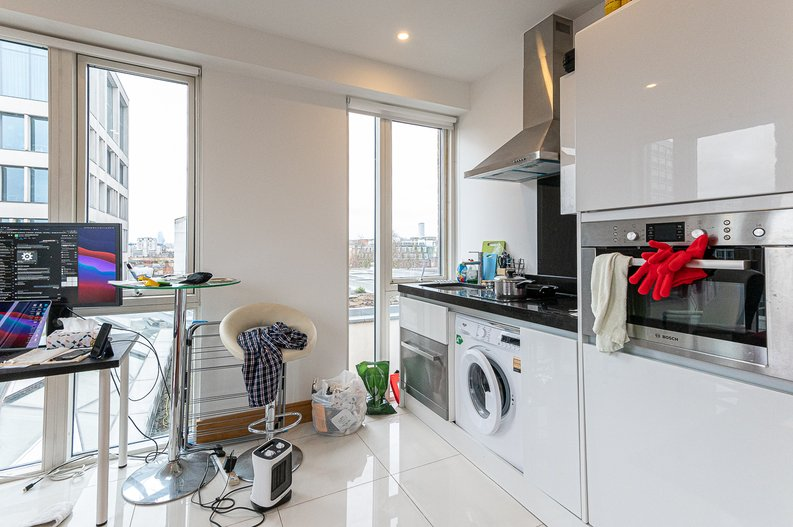 1 bedroom(s) apartment to sale in Churchway, King's Cross, London-image 4
