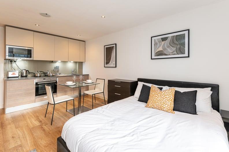 Studio apartment to sale in Heritage Avenue, London-image 2