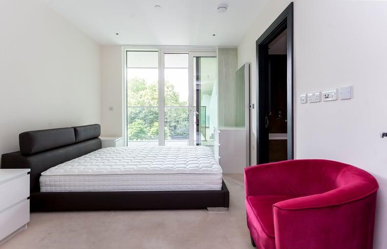 2 bedroom(s) apartment to sale in Cascade Court, Vista Chelsea Bridge, Battersea-image 4