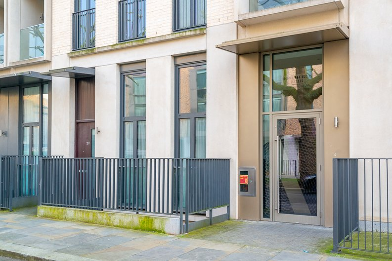 2 bedroom(s) apartment to sale in Bonchurch Road, Notting Hill , London-image 10
