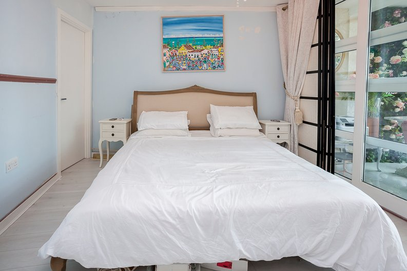 1 bedroom(s) apartment to sale in Falcon Wharf, 34 Lombard Road, Battersea-image 8