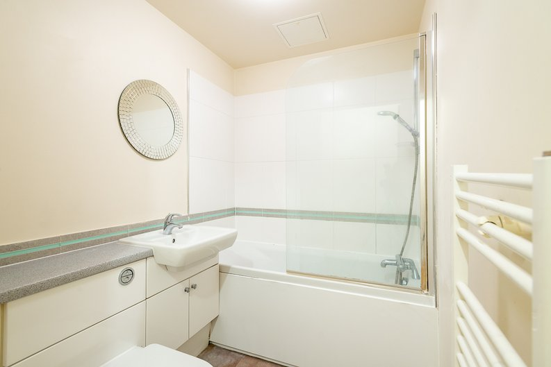 1 bedroom(s) apartment to sale in Arctic House, Heritage Avenue, Beaufort Park, Colindale-image 7