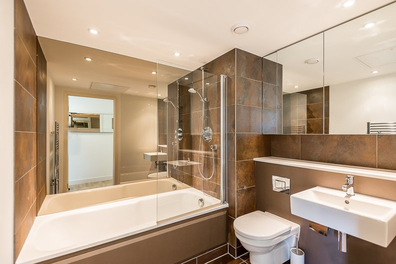 1 bedroom(s) apartment to sale in Marsh Wall, Canary Wharf, London-image 4