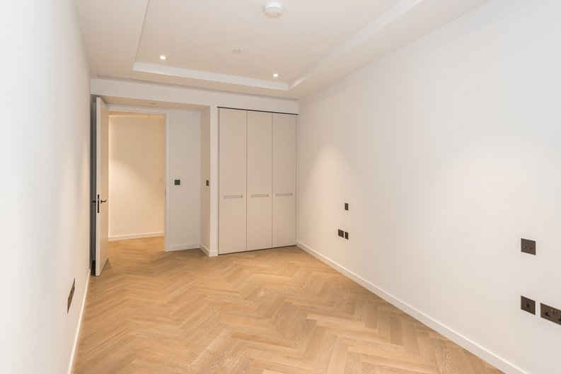 1 bedroom(s) apartment to sale in Pearce House, 8 Circus Road West, Battersea Power Station, London-image 4