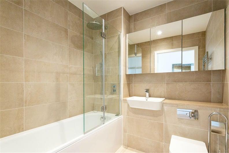 2 bedroom(s) apartment to sale in Vita Apartments, 1 Caithness Walk, Surrey, Croydon-image 4