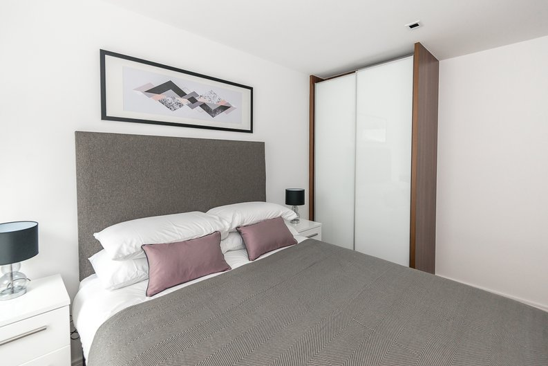 1 bedroom(s) to sale in Fitzroy House, Dickens Yard, Ealing, London-image 3