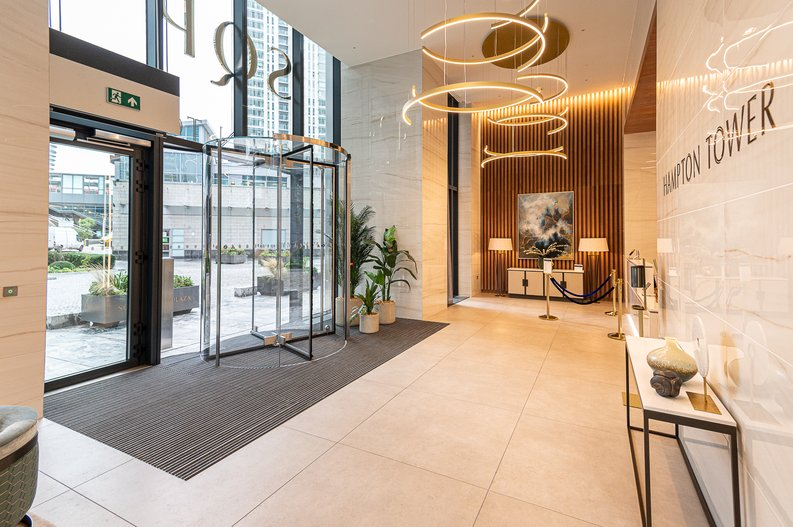 1 bedroom(s) to sale in Hampton Tower, South Quay Plaza, Marsh Wall, Canary Wharf-image 9