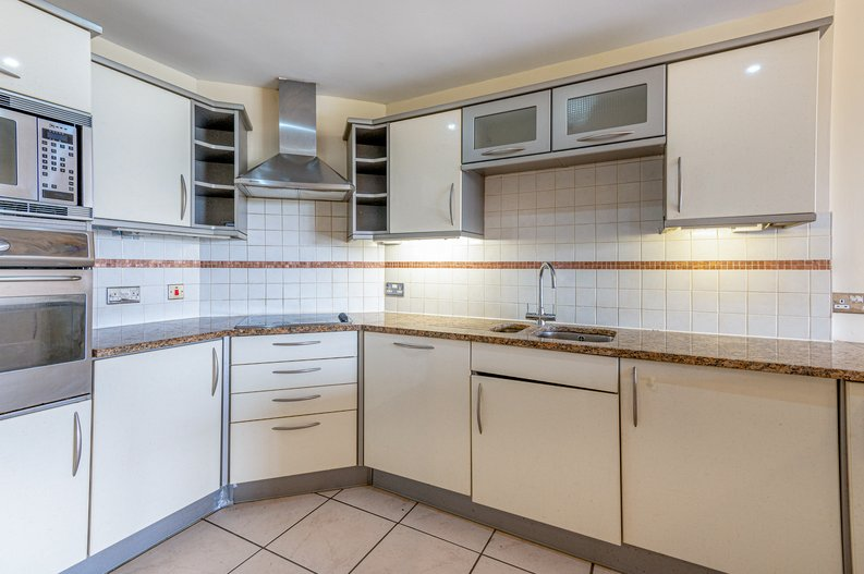4 bedroom(s) to sale in Rosemont Road, Hampstead, London-image 3