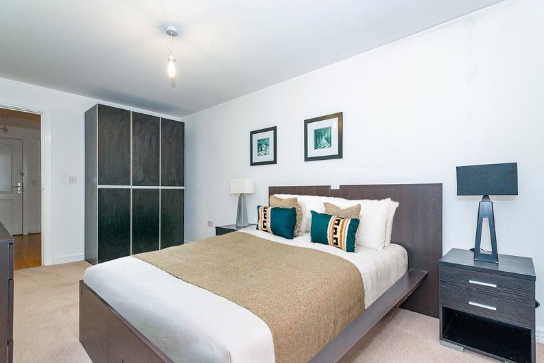 3 bedroom(s) apartment to sale in Annabel Close, Poplar, London-image 7