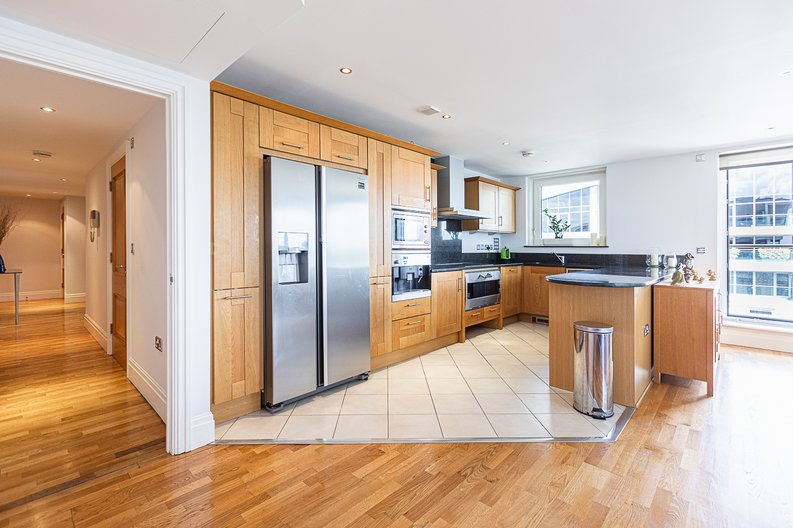 2 bedroom(s) apartment to sale in Lensbury Avenue, Imperial Wharf, Fulham-image 2