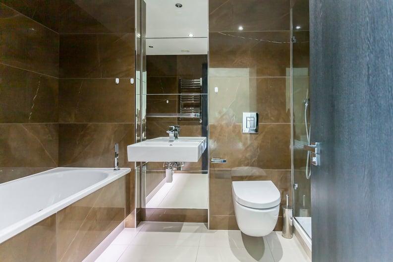 2 bedroom(s) apartment to sale in Cascade Court, Vista Chelsea Bridge, Battersea-image 8