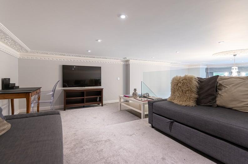 2 bedroom(s) apartment to sale in Belsize Park Gardens, Belsize Park, London-image 11