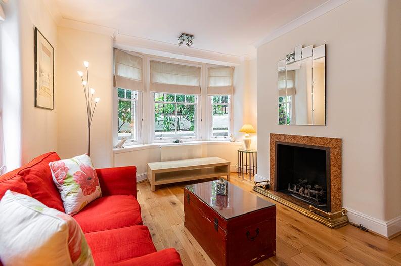 3 bedroom(s) apartment to sale in Walton Street, Kensington/Chelsea, London-image 6