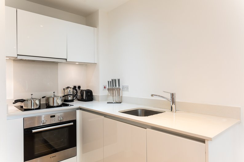 1 bedroom(s) apartment to sale in Riverside Apartments, Goodchild Road, Woodberry Down, Manor House-image 5