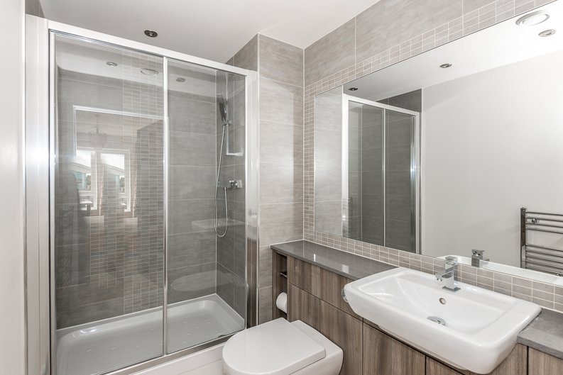 2 bedroom(s) apartment to sale in Claremont House, Aerodrome Road, Beaufort Park, Colindale-image 6