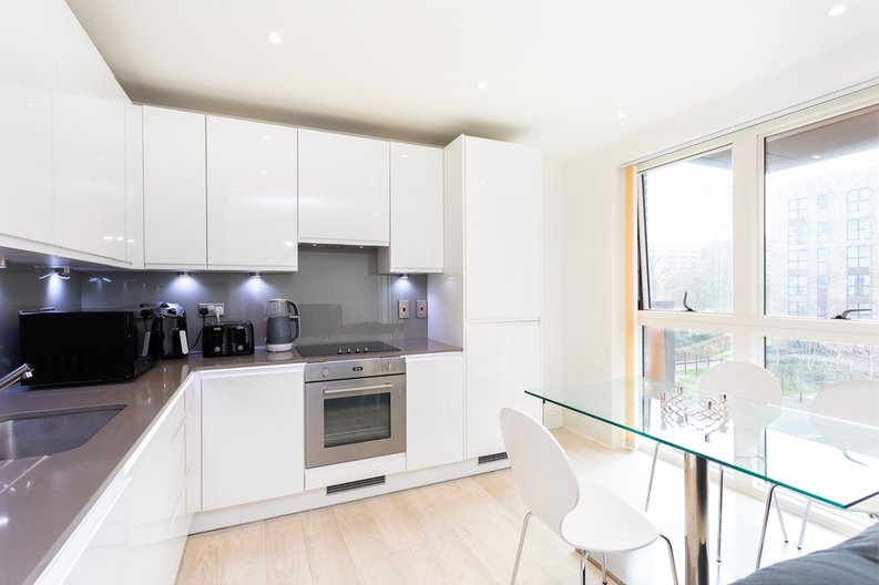 2 bedroom(s) apartment to sale in Bodiam Court, Park Royal-image 5
