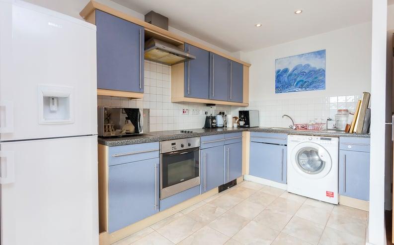 1 bedroom(s) apartment to sale in Martlesham Walk, Colindale-image 11