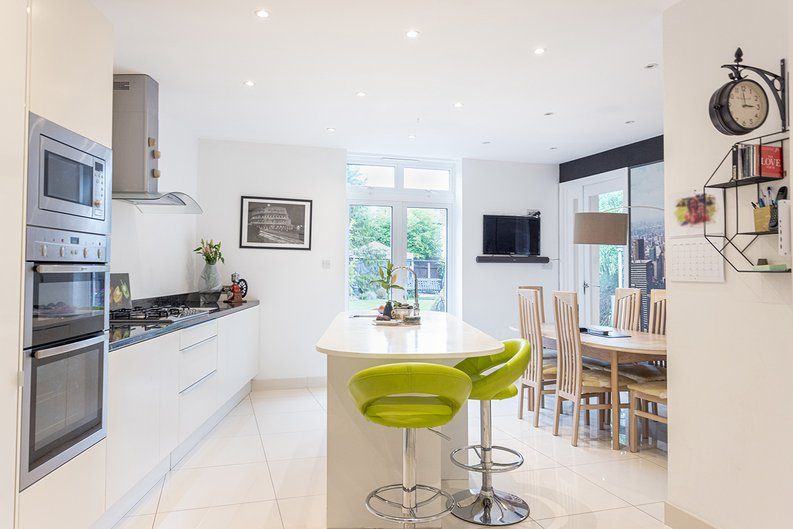 4 bedroom(s) house to sale in Hale Lane, Mill Hill, London-image 33