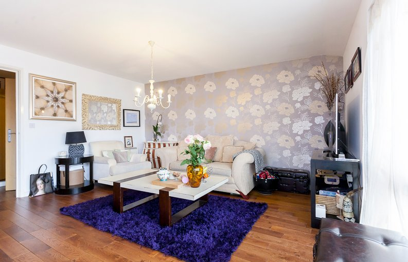 1 bedroom(s) apartment to sale in Martlesham Walk, Colindale-image 9