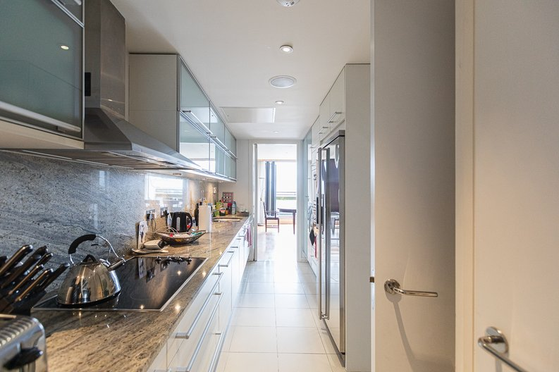 3 bedroom(s) apartment to sale in Cromwell Road, South Kensington, London-image 20