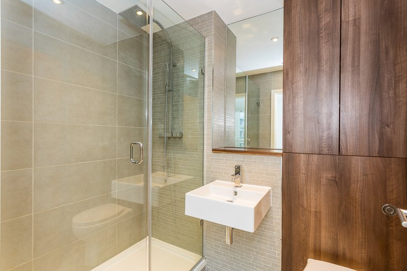 2 bedroom(s) apartment to sale in Waterside Apartments, Woodberry Down, Manor House-image 10