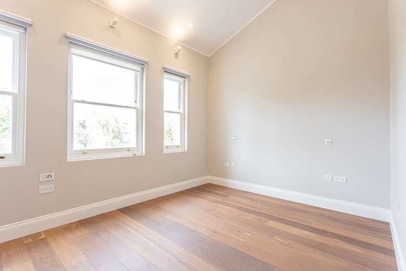 3 bedroom(s) apartment to sale in Greville Road, St. John's Wood Borders, London-image 4