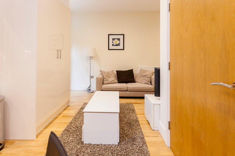 1 bedroom(s) apartment to sale in Denison House, Lanterns Way, Canary Wharf-image 4