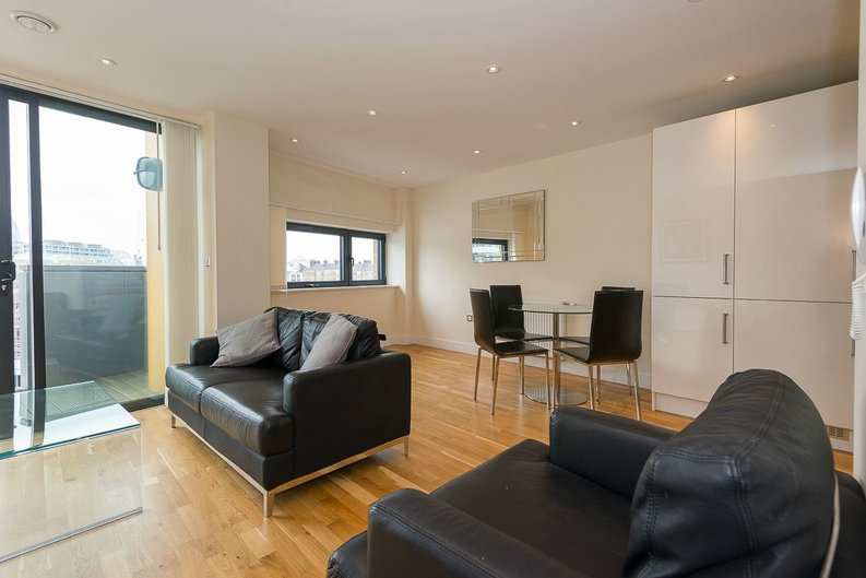 1 bedroom(s) apartment to sale in Arc House, 16 Maltby Street, London-image 2