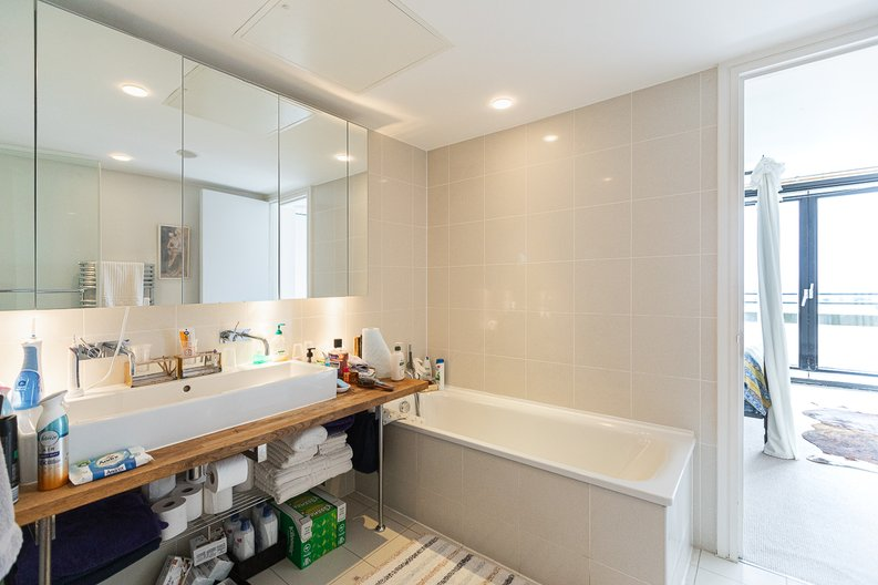 3 bedroom(s) apartment to sale in Cromwell Road, South Kensington, London-image 4