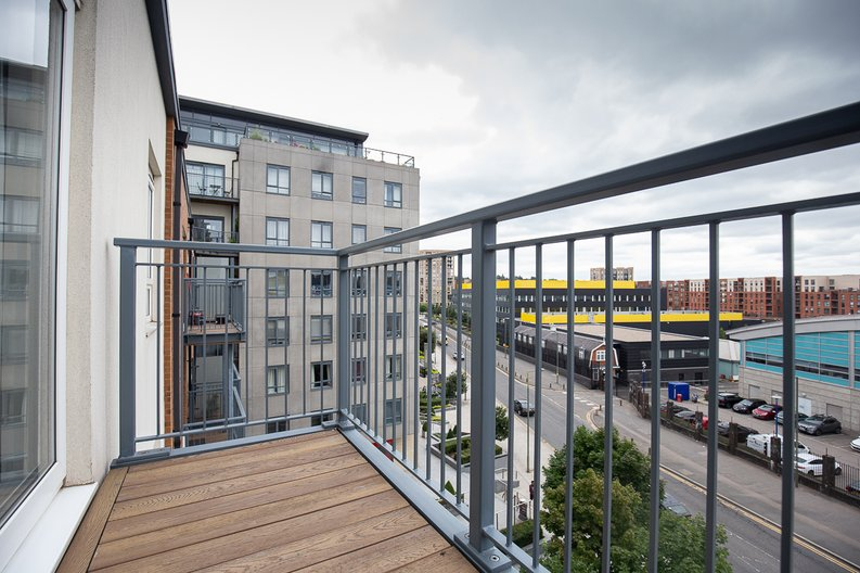 1 bedroom(s) apartment to sale in Curtiss House, 27 Heritage Avenue, Beaufort Park, Colindale-image 3