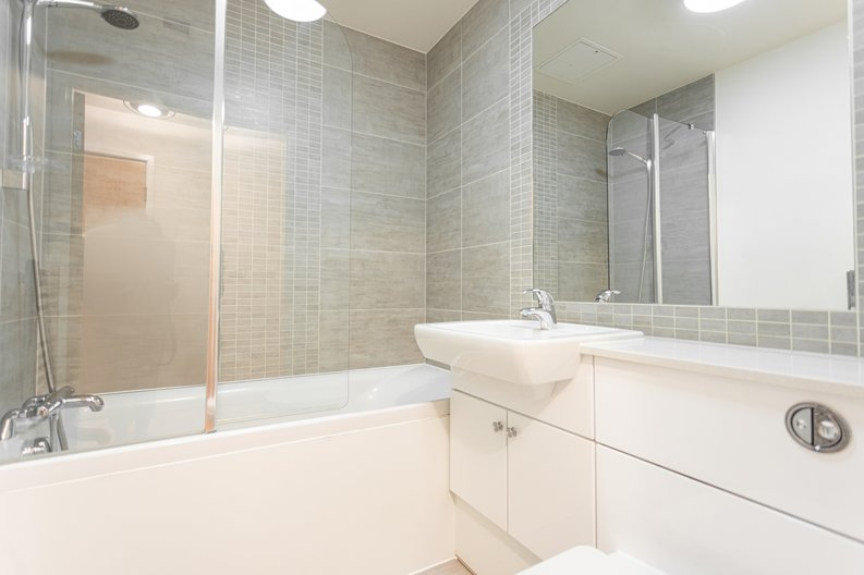 1 bedroom(s) apartment to sale in Boulevard Drive, Colindale, London-image 7