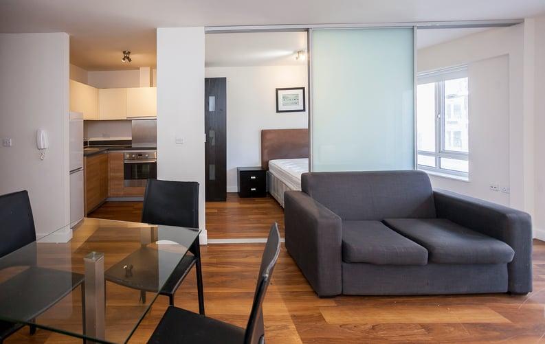 Studio apartment to sale in Ascent House, 12 Boulevard Drive, Beaufort Park , London-image 8
