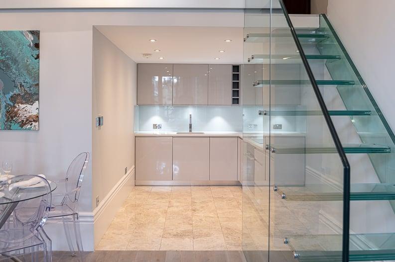2 bedroom(s) apartment to sale in Belsize Park Gardens, Belsize Park, London-image 7