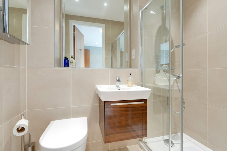 2 bedroom(s) apartment to sale in Regis Place, 10 Llanvanor Road, Childs Hill, London-image 11