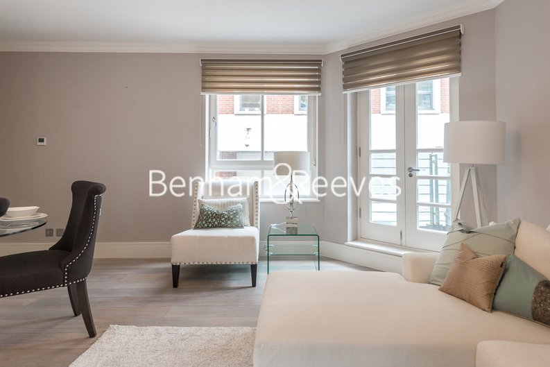 1 bedroom(s) apartment to sale in Clarges Mews, London-image 14
